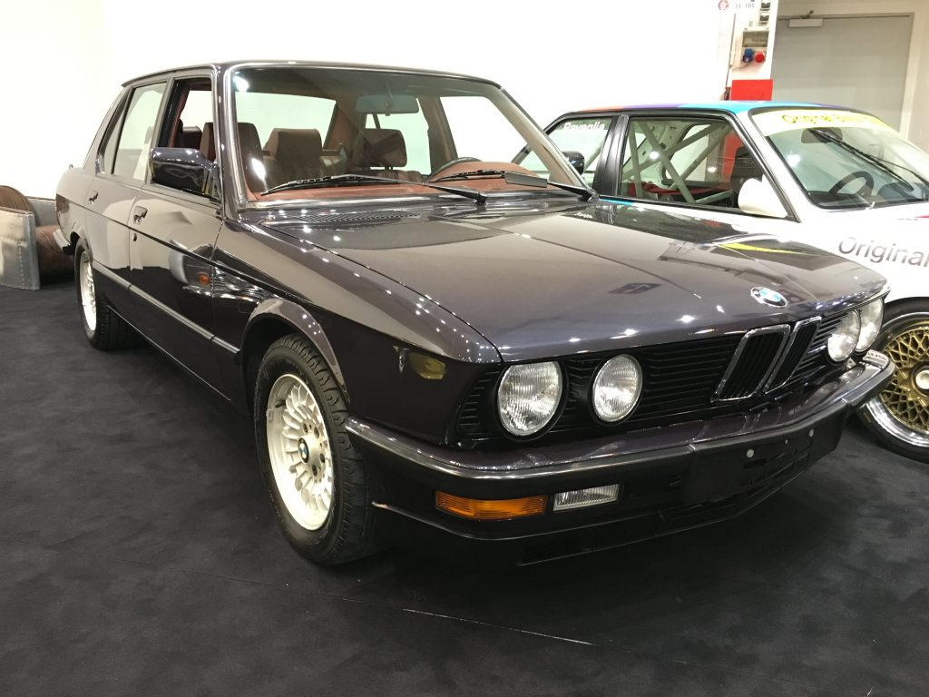 bmw m5 e28 mint classics. Black Bedroom Furniture Sets. Home Design Ideas